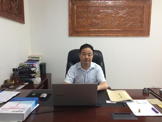 图为合肥鸿鹤物业公司董事长陶瑞