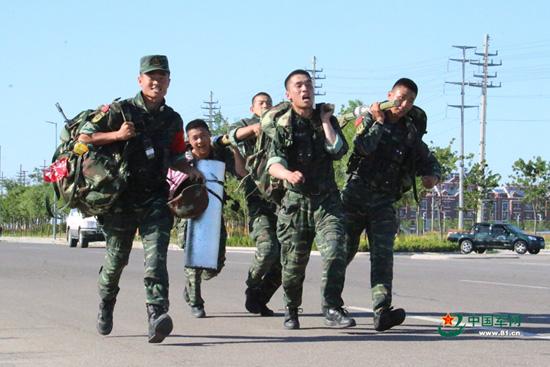 武警部队魔鬼极限训练图片