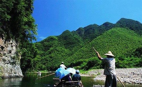 影像安徽 > 正文    月亮湾风景区位于离泾县县城18公里处的蔡村镇