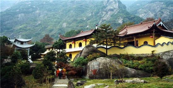 九子岩景区集自然风景和佛教文化于一体,是整个九华山的灵魂,九华山原